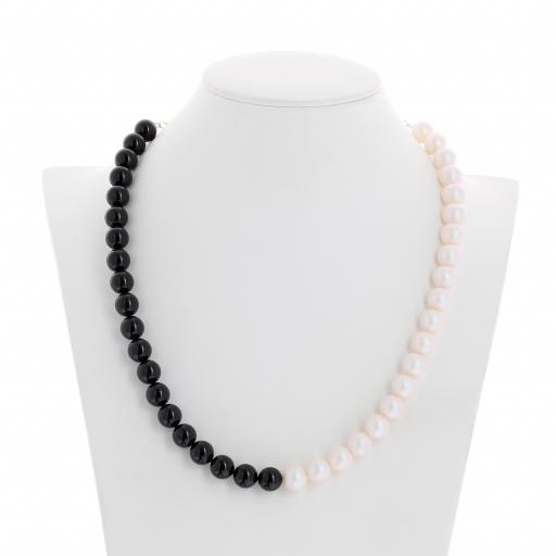 Two tone Jet Black Crystal Pearlescent white Pearl Necklace 10mm KrystalLondon front on.jpg