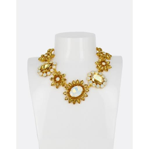 Vera Collar Necklace
